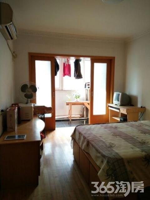 新百花园2室2厅1卫82平米整租简装