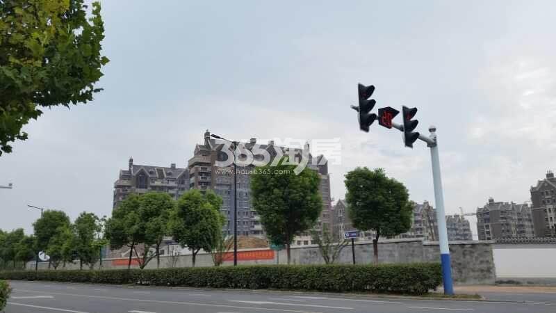 信达公园里周边道路金斗路实景图(2017.11.29)