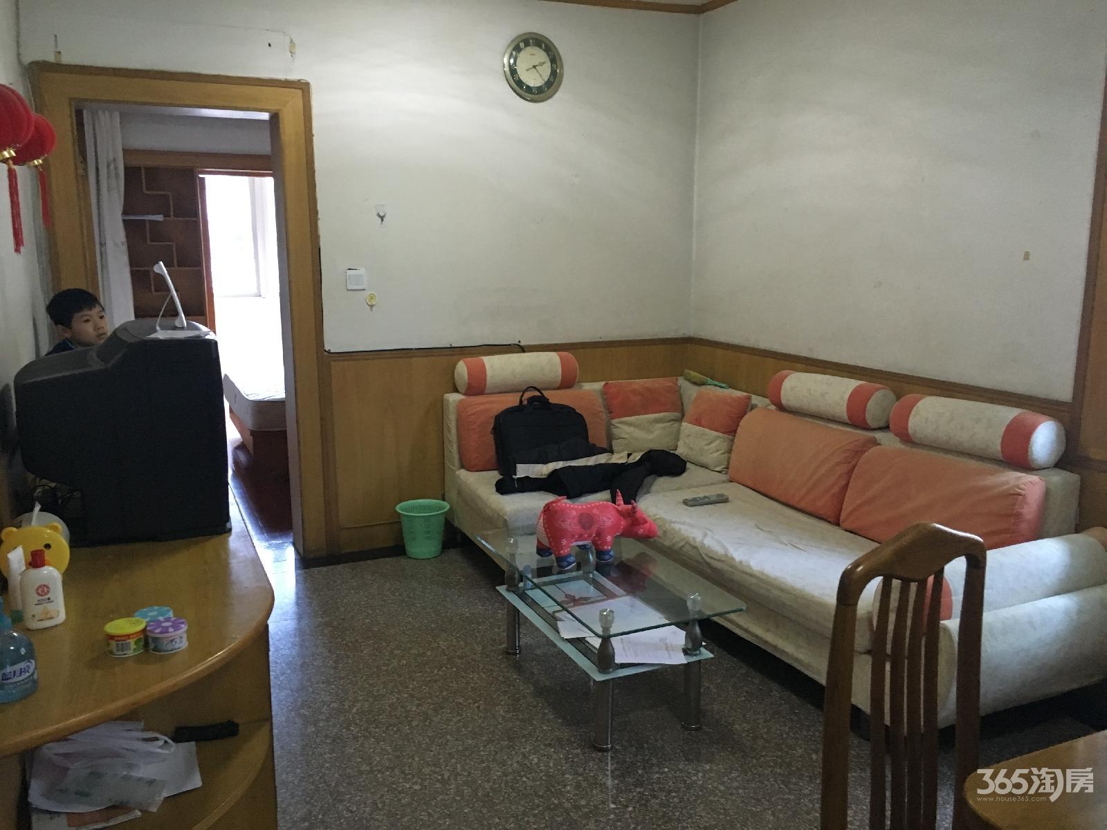 金碧花园2室1厅1卫71平老式装修有钥匙可拎包入住