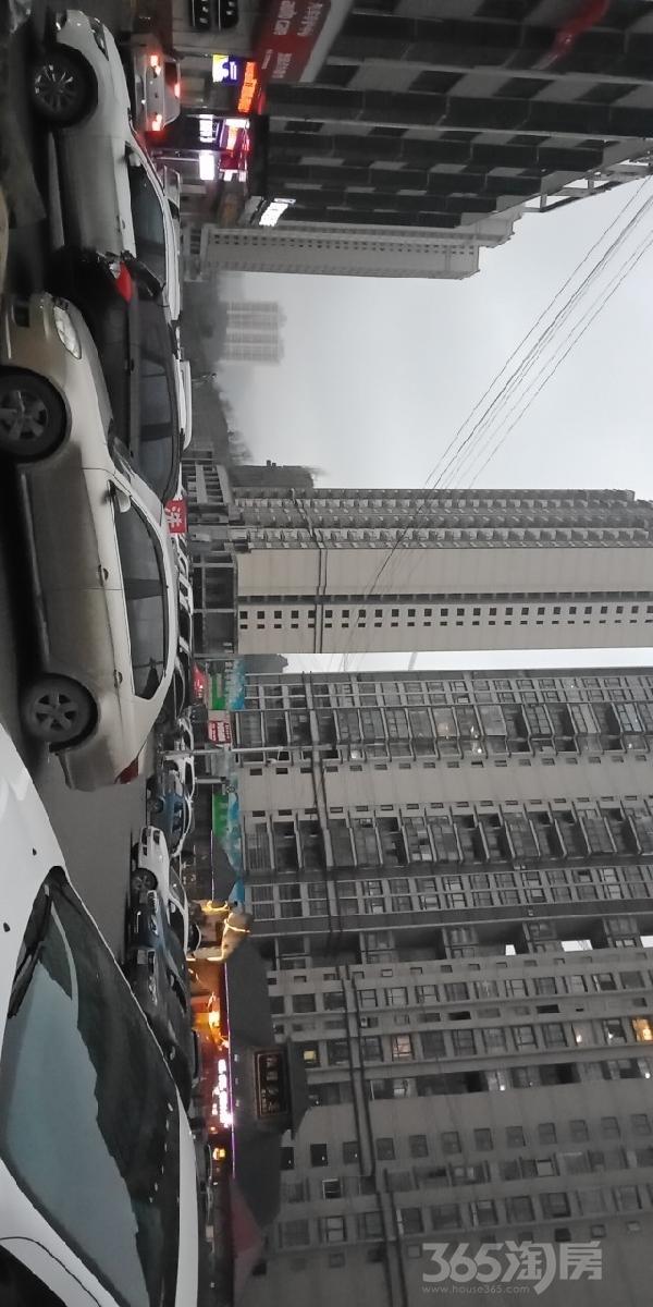 银座星城104平米2015年营业中中装