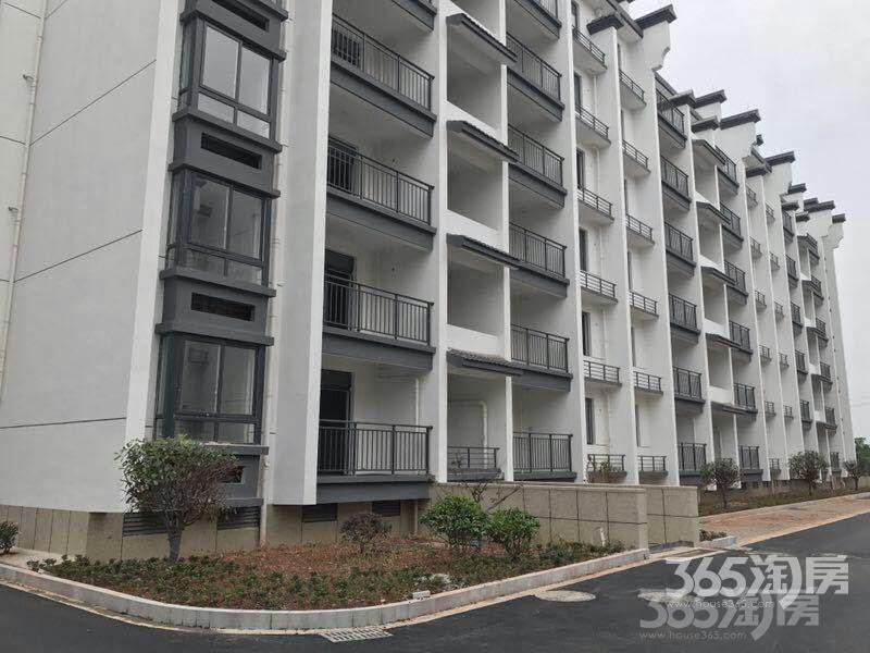 慈岩印象新城3室2厅2卫133.1平米2016年产权房毛坯