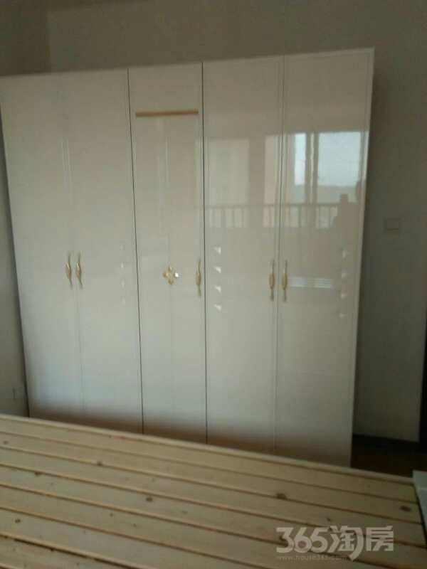 雨庭花园3室2厅1卫108平米整租简装