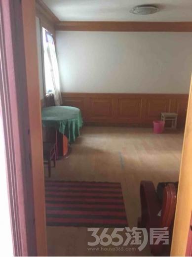 湖西北路一号2室1厅1卫75平米中装产权房1999年建满五年