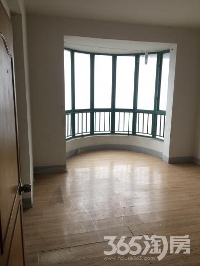 明发滨江新城三期4室2厅2卫145.00�O整租简装