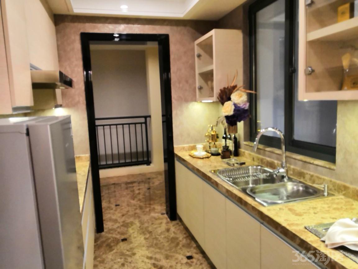 天逸华府竹园3室2厅2卫127平米2012年产权房精装