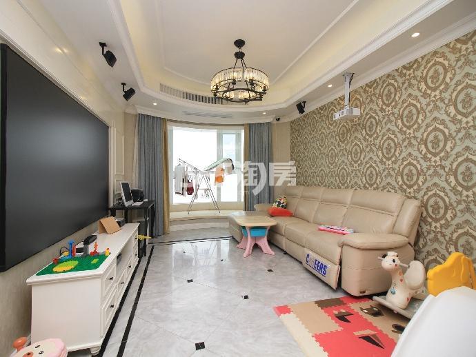 苏宁滨江壹号2室1厅1卫137平米豪华装产权房2015年建