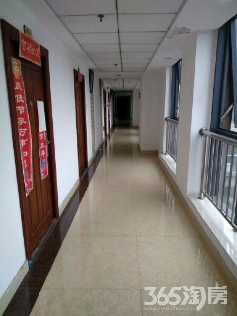 信达西山银杏1室1厅1卫55平米整租精装