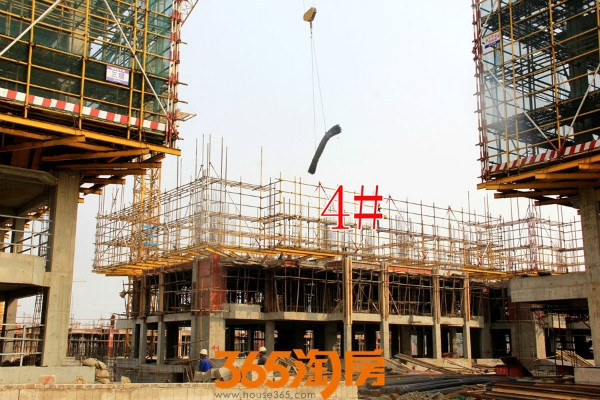 金晖罗兰小镇4#施工中(2017.10摄)