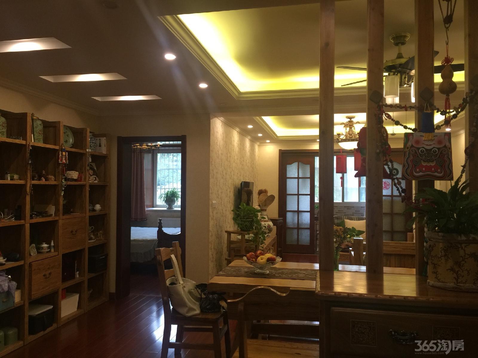月苑五村3室2厅1卫110平米豪华装产权房2009年建