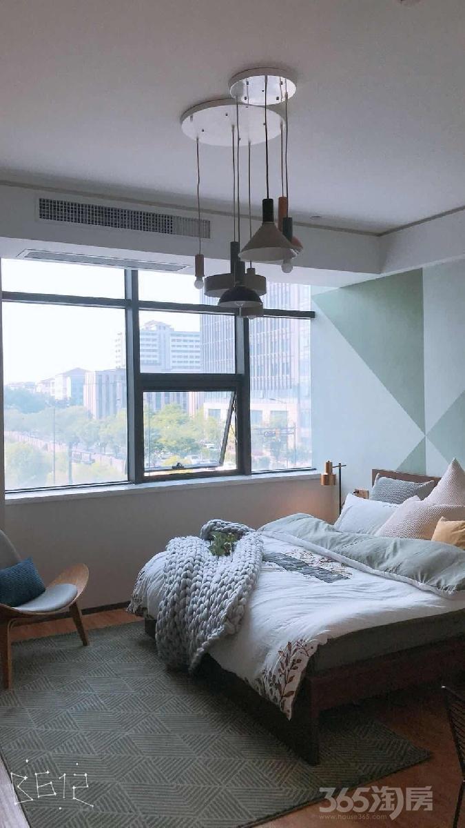 未来科技城双线地铁口旁边总价60万精装修现房公寓。