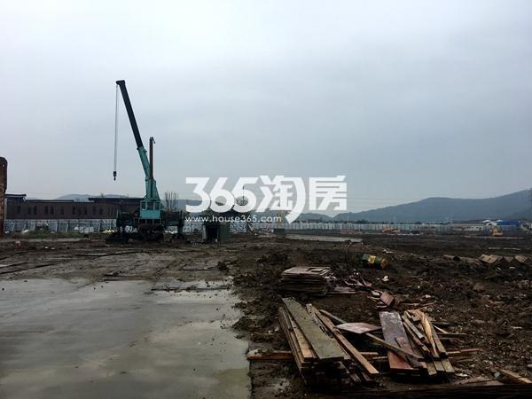 新力帝泊湾工地实景图(2017.9摄)