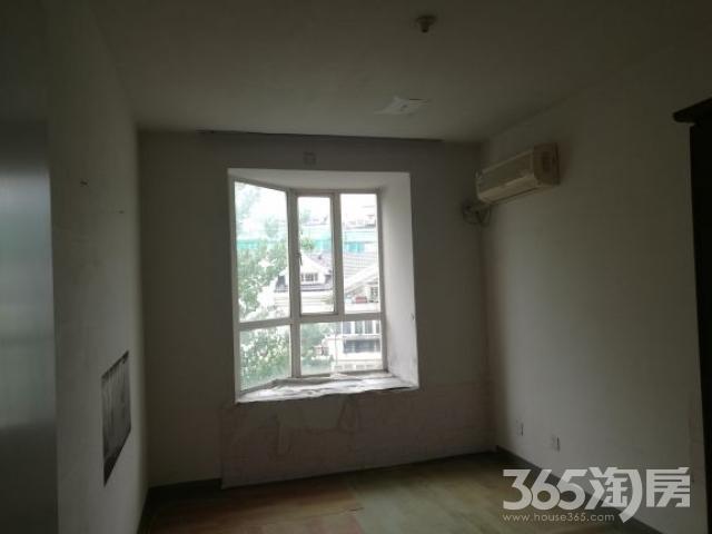 东方城松林谷2室2厅1卫92.18平米2005年产权房毛坯