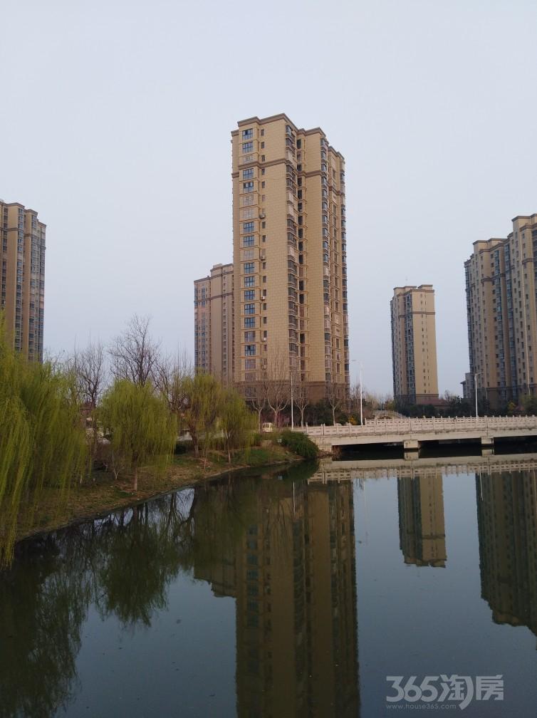 绿地高铁东城2室2厅1卫81平米2016年产权房毛坯