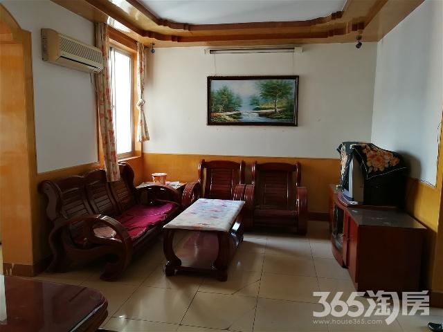 劳动新村6/6中装全设75平米2室1厅1300/月