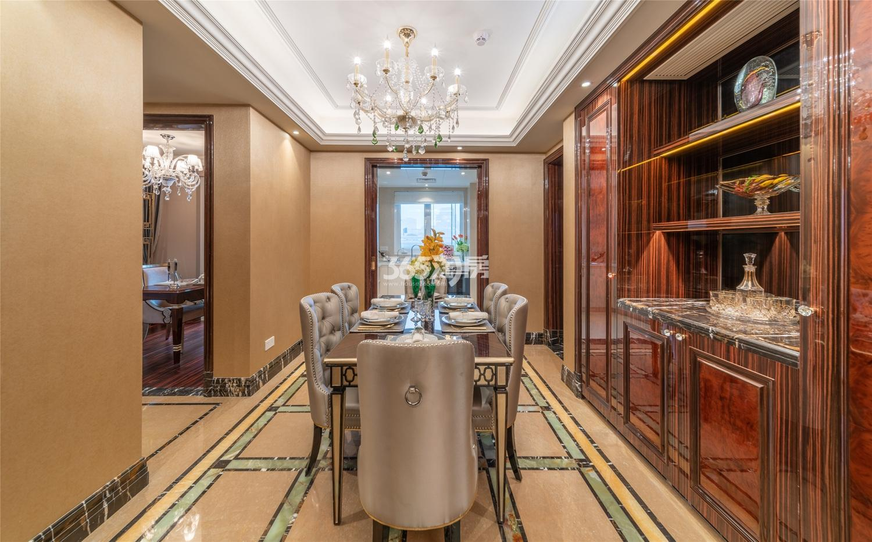 滨江保利翡翠海岸3#西边套159方(C2户型)古典风格样板房---餐厅