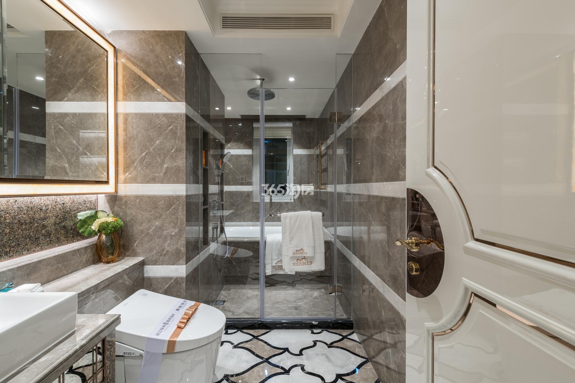 滨江保利翡翠海岸131方(A1户型)海派风样板房---卫浴间