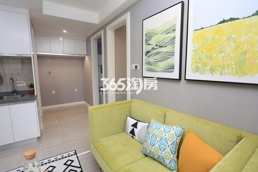 中电颐和府邸公寓样板间——客厅