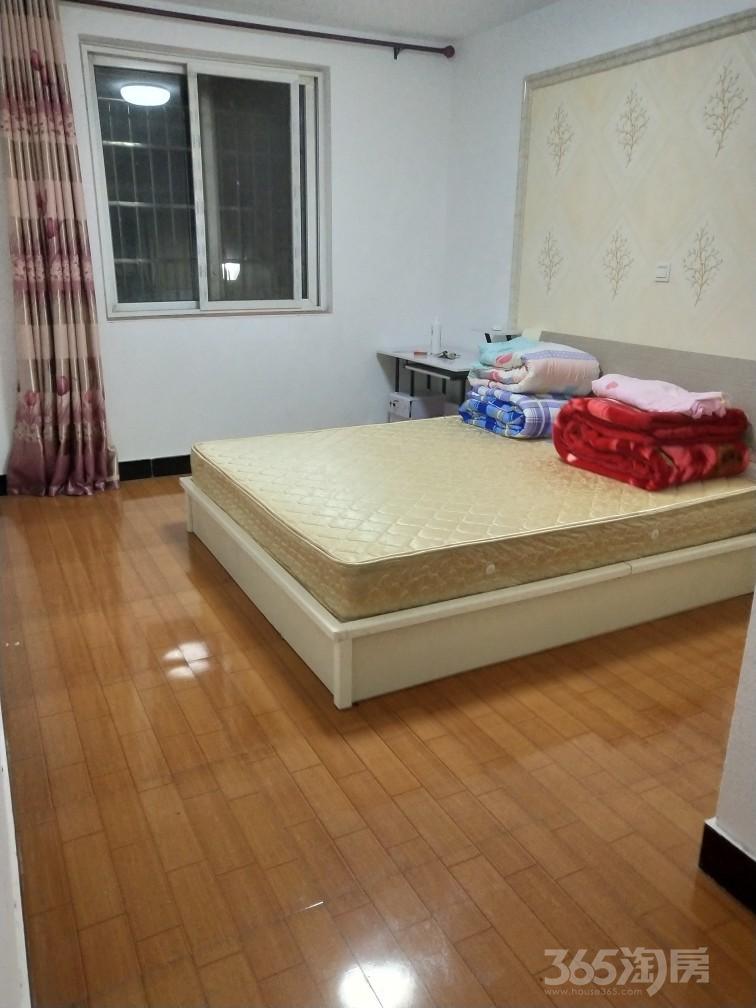 淞泽家园七区4室1厅3卫28平米合租精装