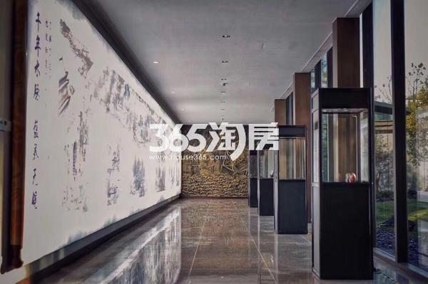 富力运河十号售楼处实景图(2017.8 摄)