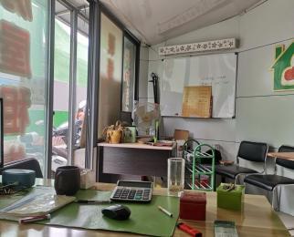 应天大街黄山路地铁口八米宽门面低租金连家店合租转租
