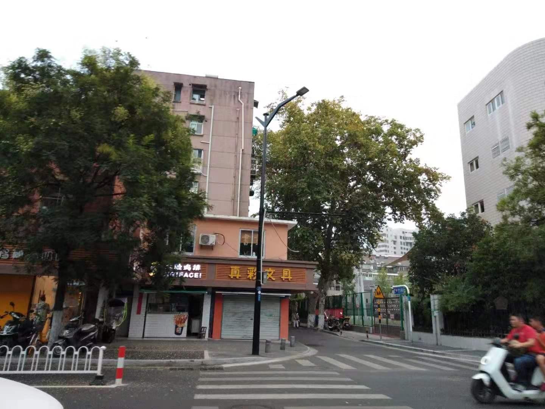秦淮区新街口新街口小火瓦巷26号65.56㎡精装2室1厅