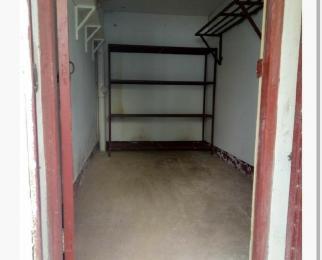 步行街阳光绿苑1楼储藏室10平米整租