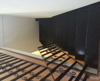 地铁旁尚筑金座2室1厅2卫70平米精装整租