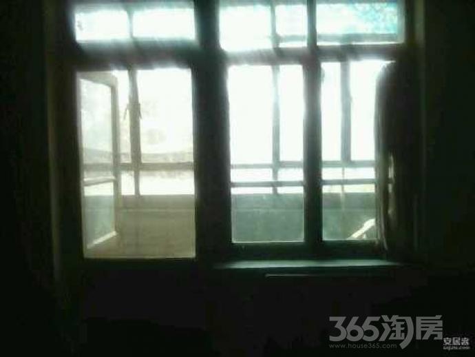 微山东里1室0厅0卫21.83平米1990年使用权房毛坯