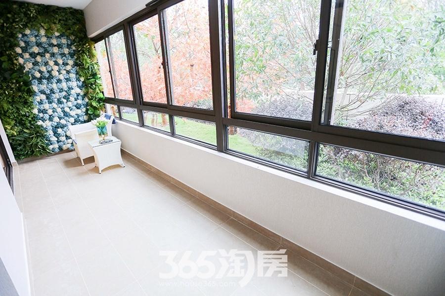 伟星公园天下林语约150平样板间-阳台