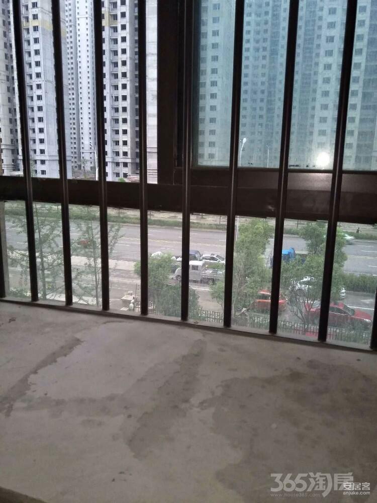 华南城紫荆名都3室1厅1卫90平米整租毛坯