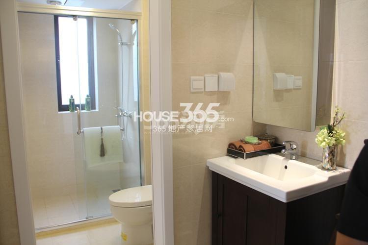 雅居乐国际花园A1户型117方样板房——卫浴