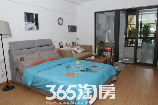 宝利丰广场公寓样板房卧室
