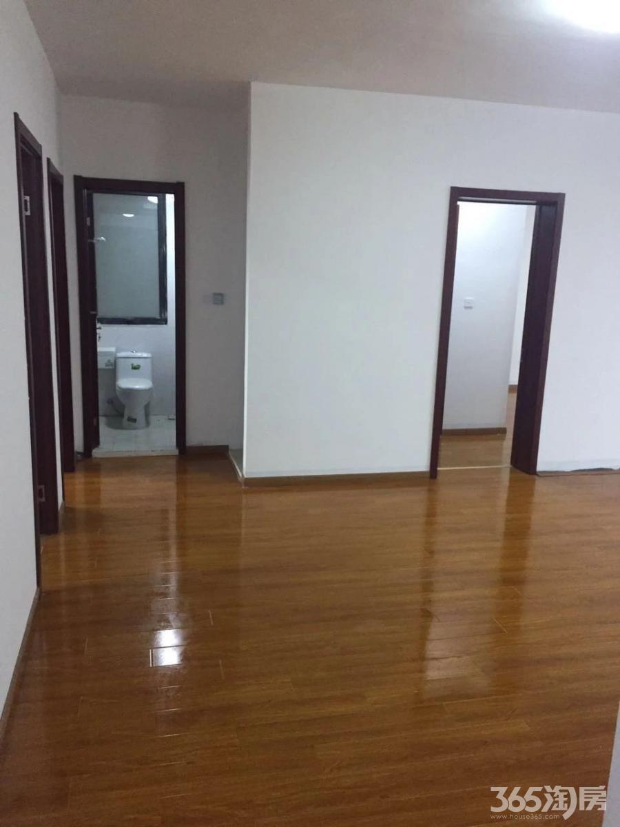 世茂滨江新城二期3室2厅2卫142平米简装产权房2017年建