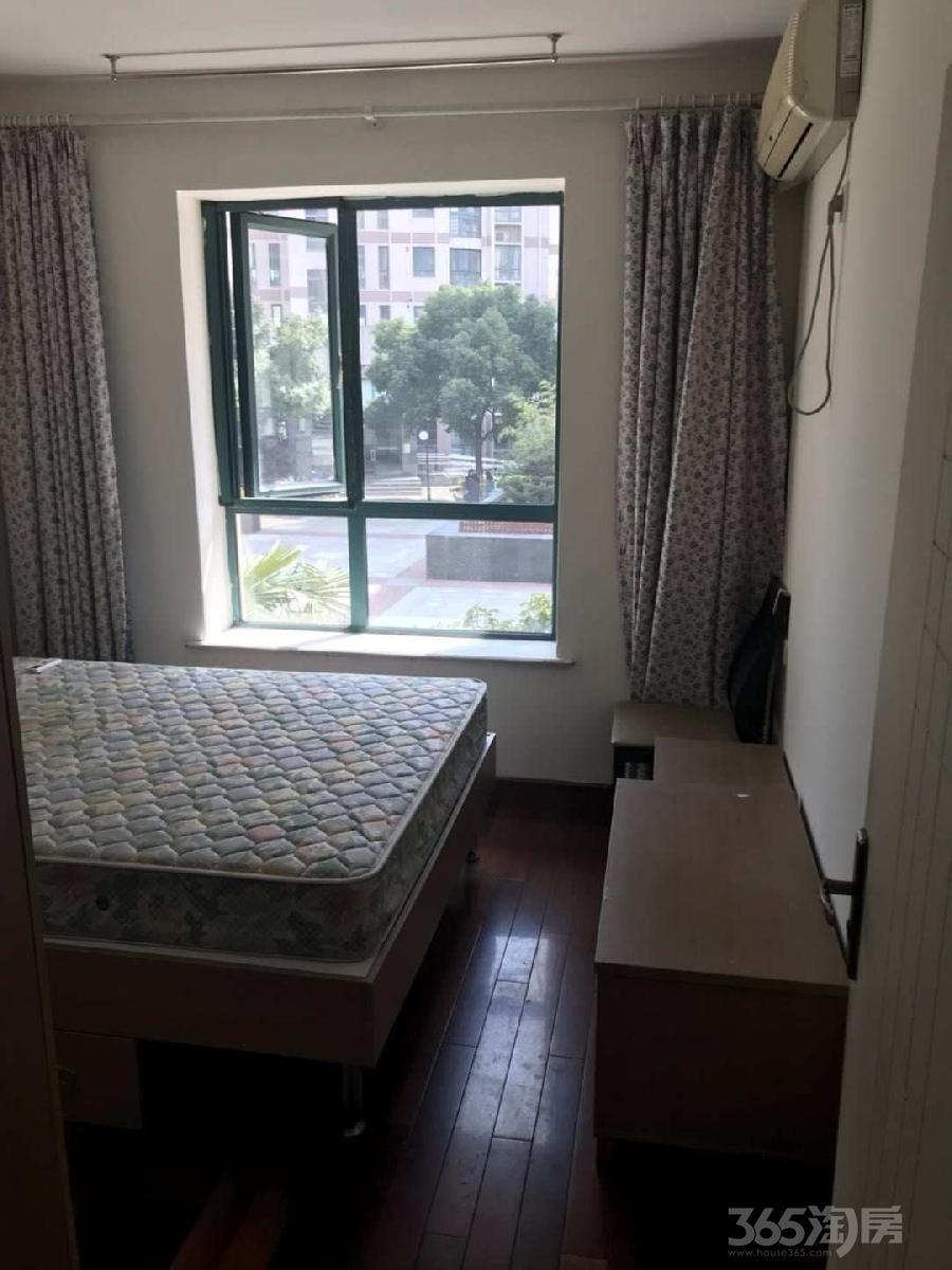 现代大道 中央公园 香樟公寓 精装朝南次卧 拎包入住