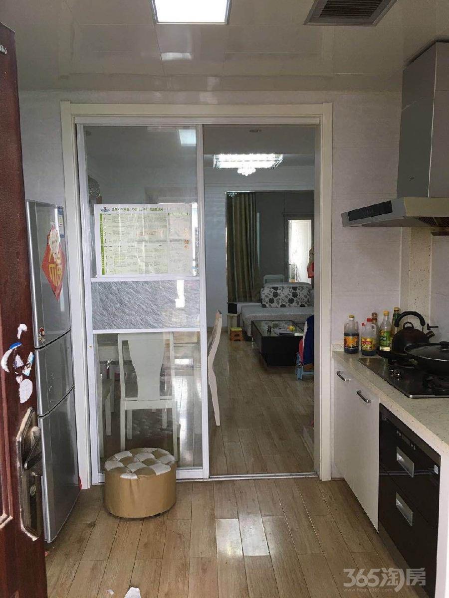 仙林悦城2室1厅1卫64平米2013年产权房精装
