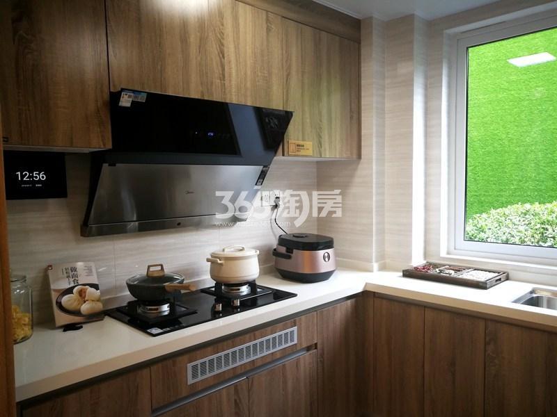 美的观棠127平样板间实景图—厨房