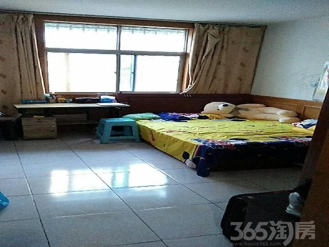 梅园小区2室2厅1卫84�O2000年产权房精装