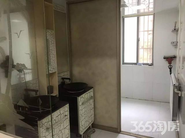 都宝花园4室2厅2卫150平方产权房精装