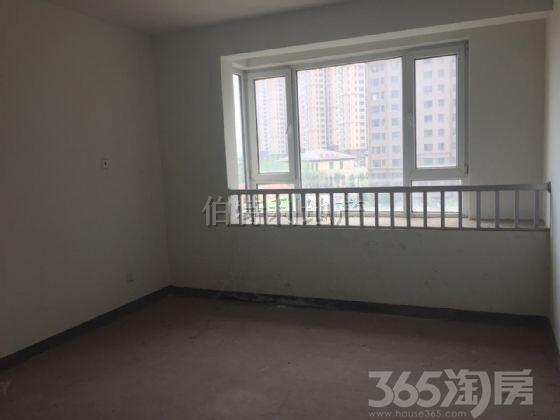 中茵龙湖国际家苑3室2厅2卫88�O2013年产权房毛坯