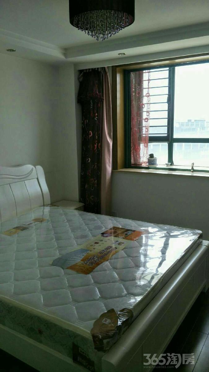 白领生活馆3室1厅1卫15平米合租精装