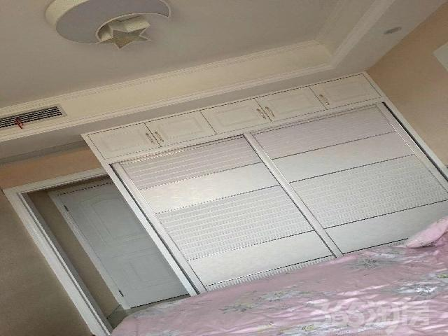 开元名都3室2厅2卫106�O2014年产权房精装