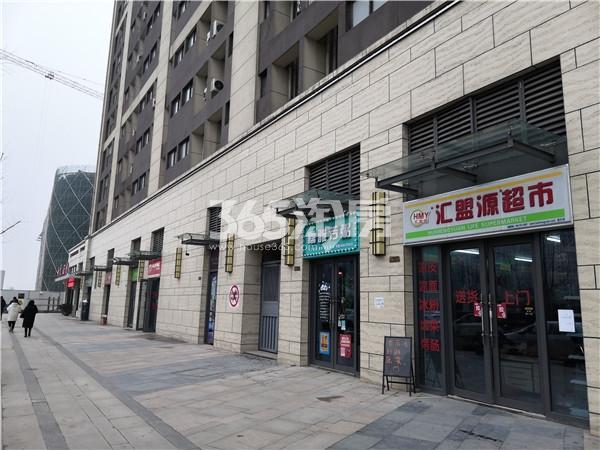 东方万汇城4#底商实景图(2.21)