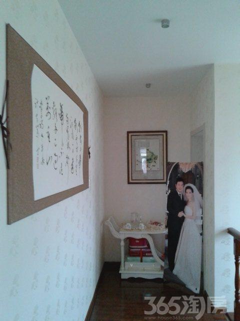 伟业星城4室2厅2卫150�O2010年产权房精装