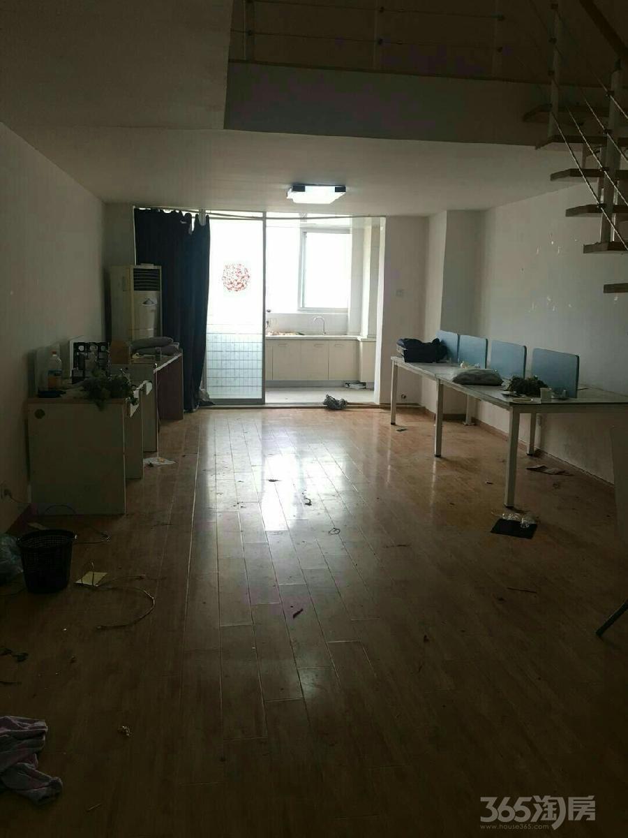 信旺华府骏苑2室1厅1卫上下楼复式公寓80平米整租精装