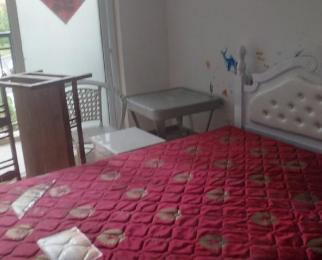 临湖社区祥园1室0厅1卫15平米合租中装