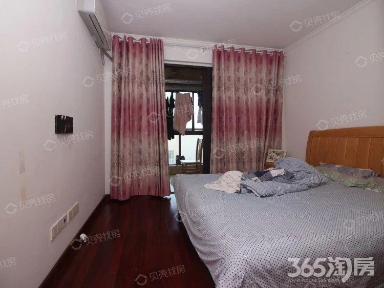 鸿意万嘉2室2厅1卫74平方产权房精装