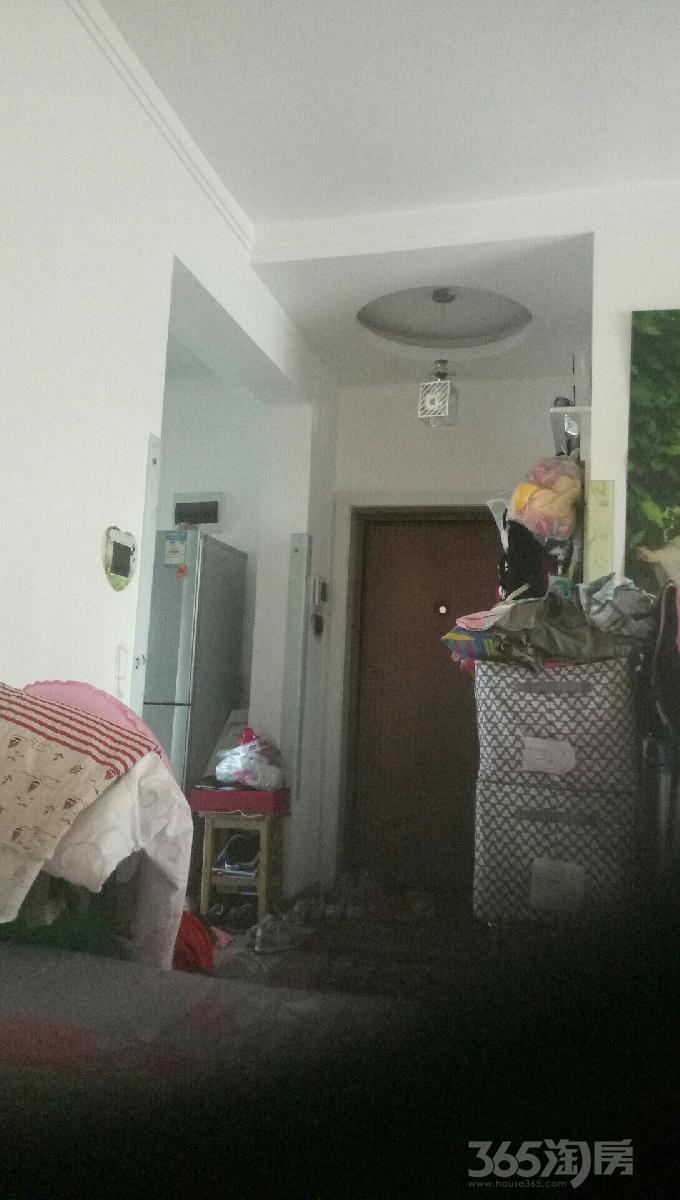 哈西花园校校区房2室1厅1卫82平米2011年产权房精装