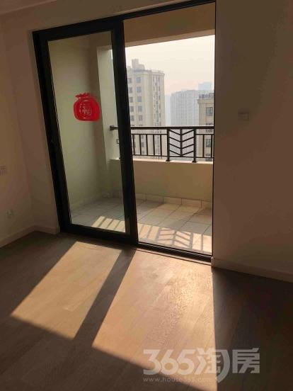 万科北宸之光2室1厅1卫68.3平米简装产权房2017年建