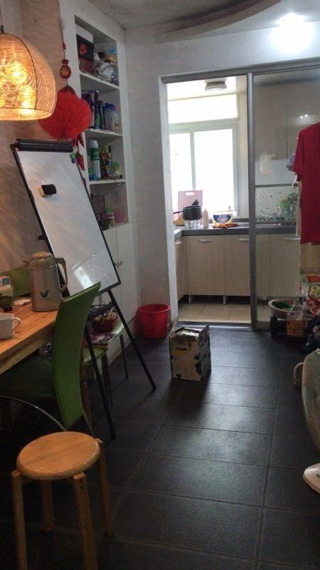 南砖新村2室1厅1卫43.1平方产权房精装