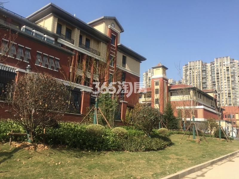 高科荣境周边配套仙林湖小学实景图(12.26)